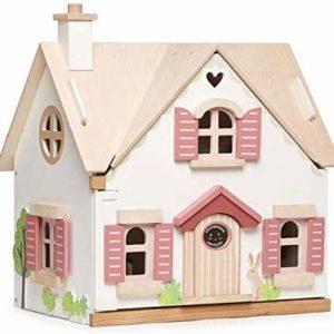 Maison de poupée en bois et son mobilier