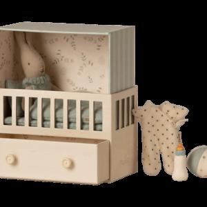 Maileg : baby room rabbit bleu