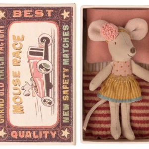 Maileg : little sister mouse in a matchbox